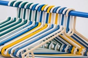 clothes-hangers-582212_640-300x200